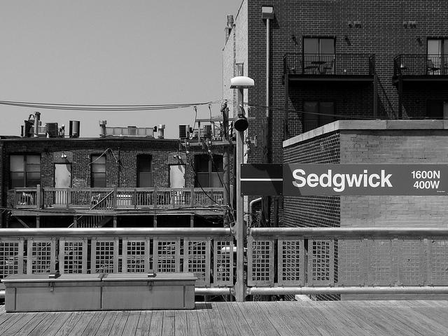 Sedgwick CTA train platform