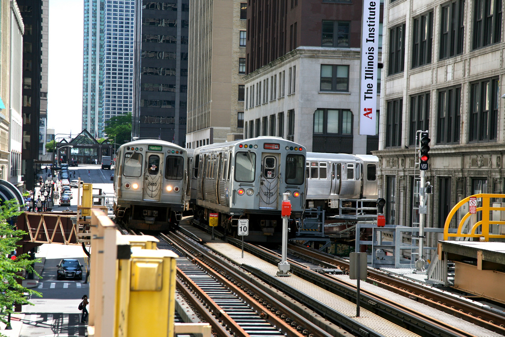 Trains at State/Lake station